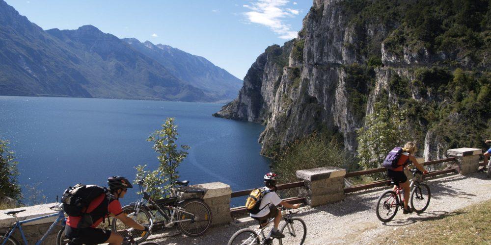 Accompagnamenti in EBIKE nei comprensori: Lago di Garda - Monte Baldo - Brentonico.
